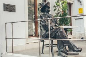 Памятник Деймсу Джойсу